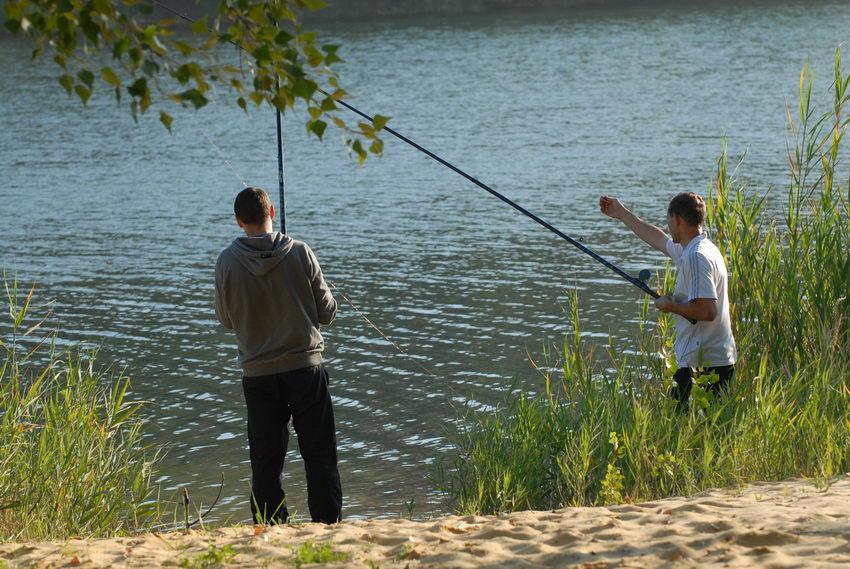 Собираясь на рыбалку, необходимо правильно оснастить удочку, чтобы основные свойства ее...