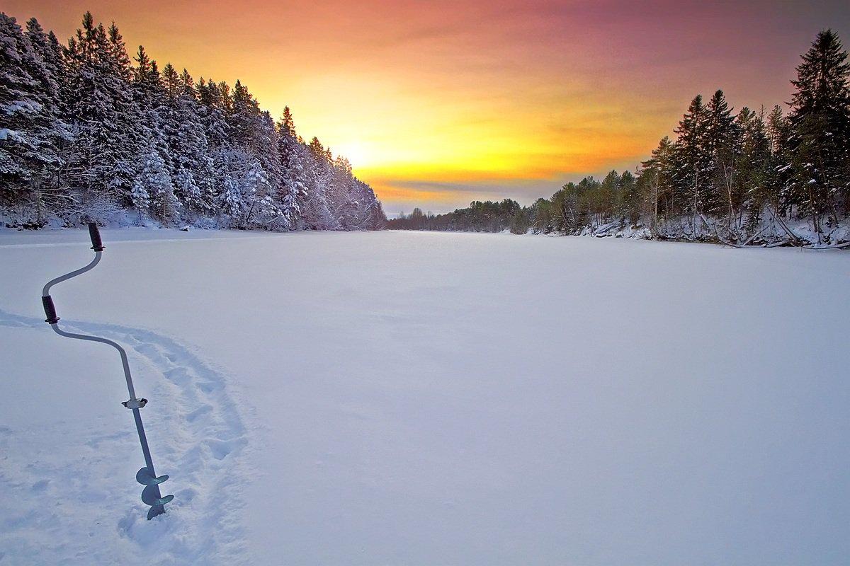 ночная зимняя рыбалка видео