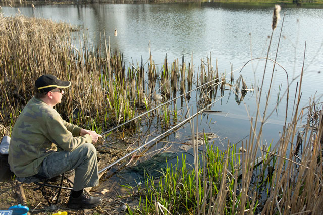 ловля на прудах в марте на карася