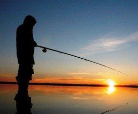 при каких погодных условиях клюет рыба карась