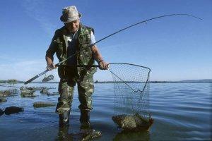 Как человек стал рыболовом