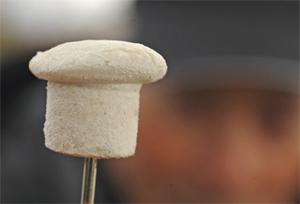 Ловля на хлеб с налепкой