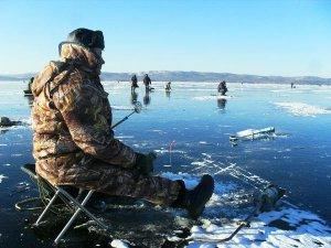 Ловля рыбы на Волге по первому льду