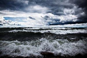 Влияет ли погода на клёв рыбы