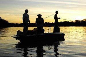 Подготовка к ночной рыбалке