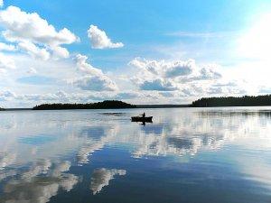 Рыбалка в тихом водоеме: озеро